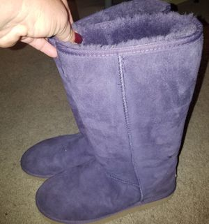Tall Purple Ugg Boots Size 10 wide for Sale in Damascus, MD