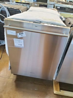 Monogram Built-in Stainless Steel Dishwasher for Sale in Corona, CA