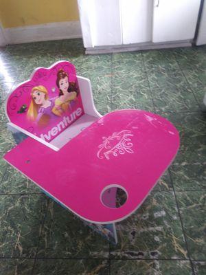 Disney princess desk for little kids for Sale in San Diego, CA