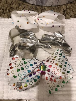 3 3 Large signature Jojo Siwa bows. Original price $15 each . for Sale in Miami, FL