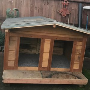 Dog House for Sale in Fresno, CA