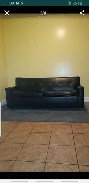 Black leather couch/futon for Sale in Glenn Dale, MD