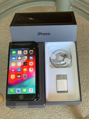 Like New Condition 128GB battery health 100% iPhone 8 Plus Factory Unlock Black for Sale in Glenview, IL