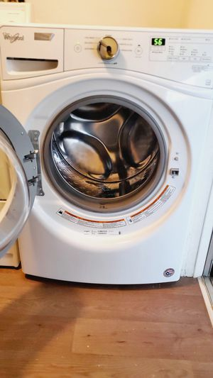 Whirlpool Front Load Automatic Washer for Sale in Los Alamitos, CA