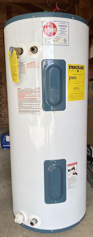 Rheem 40 gallon water heater for Sale in Hampton, VA