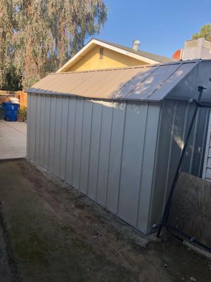 Shed in great condition need gone asap for Sale in Bakersfield, CA