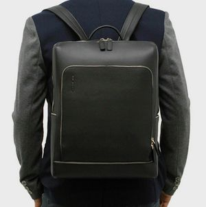 Sleek Men's Business Backpack for Sale in St. Louis, MO