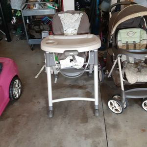 Matching GRACO Stroller And Highchair Set. for Sale in Woodruff, SC