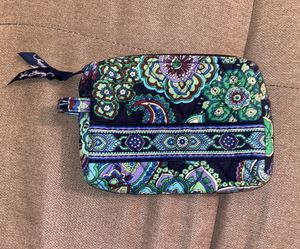 VERA BRADLEY MAKEUP BAG for Sale in San Antonio, TX