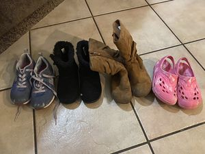 Free girls shoes for Sale in Tolleson, AZ
