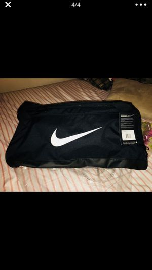 Nike duffle bag for Sale in New Britain, CT