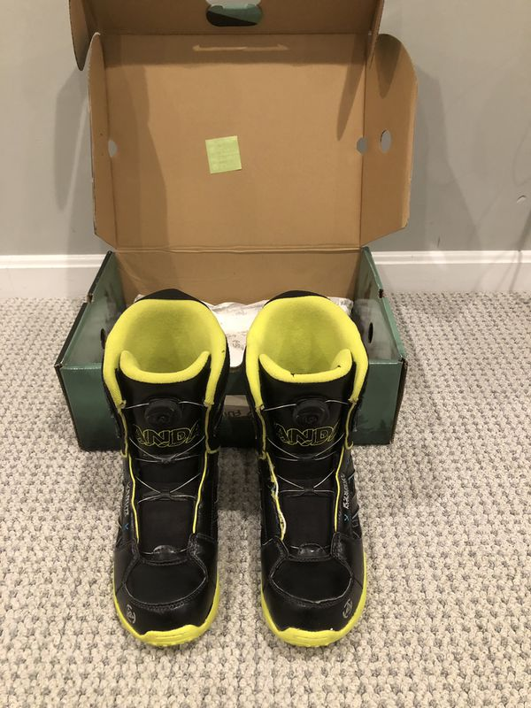 K2 Vandal Snowboard Boots - Boy's/men's size 7 by K2 Snowboarding