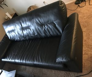 3 seater sofa black for Sale in East Lansing, MI