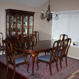 Dining Set- Stanley Cherry Grove Collection for Sale in Tigard, OR