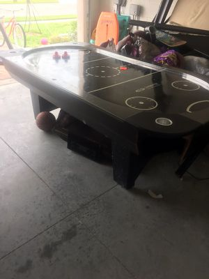Air hockey table for Sale in Melbourne, FL