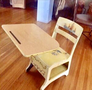 Kids school chair 🪑 for Sale in Long Beach, CA