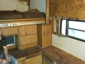 Camper Topper fits in pickup truck for Sale in Gibsonton, FL