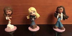 Bratz small figurine set for Sale in Miami, FL