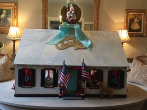 Vintage Doll House Decorated for Christmas for Sale in Washington, DC