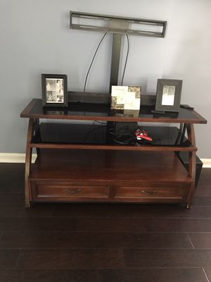 TV stand Free for Sale in Bluffton, SC