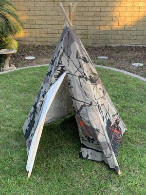 New in box Dexton 6 feet tall 5 panel army commando kids boys pretend play teepee tipi tent military camoflauge water repllant fire resistant cotton for Sale in San Dimas, CA