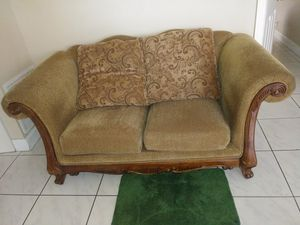 2 piece couch set for Sale in North Lauderdale, FL