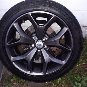 Wheel & Tire 245/45ZR20 for Sale in Clearwater, FL