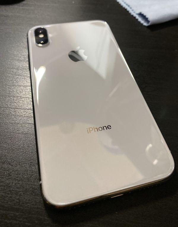 iPhone X 256GB UNLOCKED