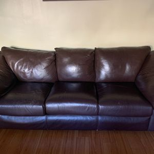 Leather sofa for Sale in Alhambra, CA
