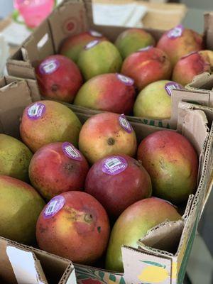 Caja de Mango $10... Hacemos envíos for Sale in El Monte, CA