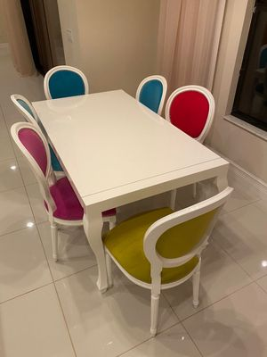 Kitchen table with chairs and bar stools for Sale in North Miami Beach, FL