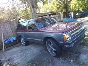1991 classic chevy blazer v6 bad tramsmition shell perfet engine good only bad trams sale or traiding for Sale in Orlando, FL