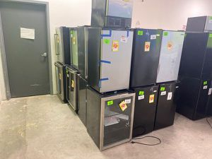 Mini fridge liquidation sale 🙌🏼🙌🏼🙌🏼 CLGO for Sale in Los Angeles, CA