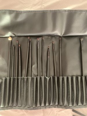 Eye Makeup Brush Set + Free Gift for Sale in Glendale, CA