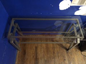 Glass Horizontal Table (Fantastic Condition) for Sale in La Puente, CA