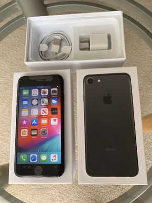iPhone 7 factory unlock 128GB Black or Red Or silver for Sale in Glenview, IL