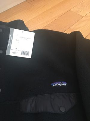 PATAGONIA MENS s MEDIUM BRAND NEW W/TAG for Sale in Buffalo Grove, IL