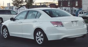 Honda Accord ASK$1000 White 2007 for Sale in Frederick, MD