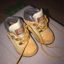 Timberland Boots Baby 12-18 Months for Sale in Miami,  FL