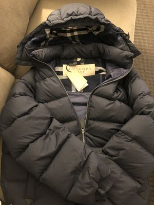 Burberry puffy jacket/coat Size Small for Sale in Queens, NY