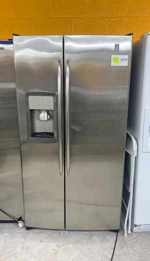 (36in) GE Profile stainless steel side by side doors fridge in perfect condition! for Sale in West Laurel, MD