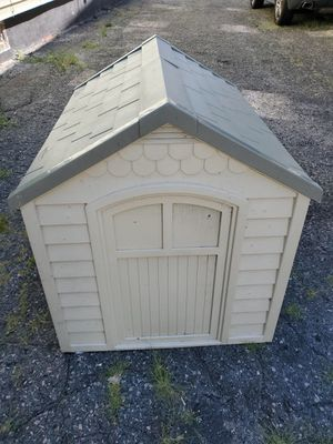 The Small Dog House/Kennel for Sale in Pawtucket, RI