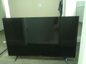 43 in TCL roku tv for Sale in Bakersfield, CA