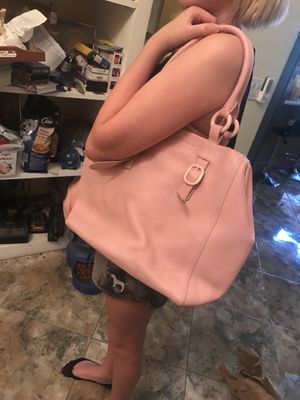 Brand new Genuine leather DKNY bag for Sale in Peoria, AZ