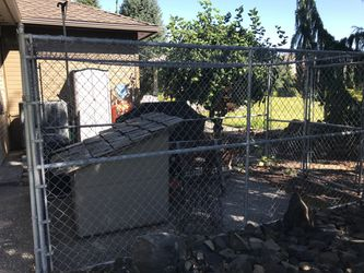 Large Dog House *No Kennel* for Sale in East Wenatchee,  WA