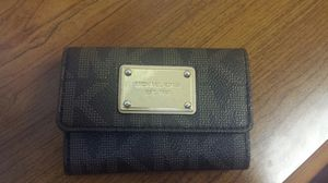 Authentic Michael Kors Wallet for Sale in Oxon Hill, MD