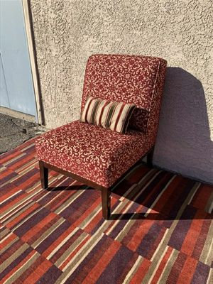 Stunning Burgandy Accent Chair for Sale in Las Vegas, NV