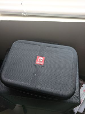 Nintendo switch carrying case for Sale in El Mirage, AZ