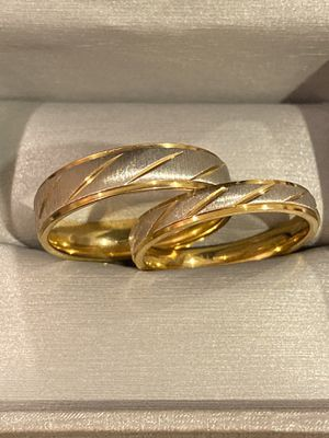 🤩✨On SALE✨🤩 18K Gold plated Matching Ring Set - //Strip style// for Sale in Houston, TX