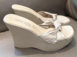 Cathy jean leather wedge shoes - size 9 for Sale in Los Angeles, CA